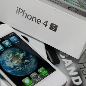 Новый Apple IPhone 4S 32GB на продажу Куплю 2 получить 1 бесплатно